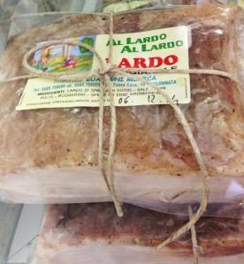 """Peças vendidas no """"Al Lardo, Al Lardo"""", em Colonnata"""