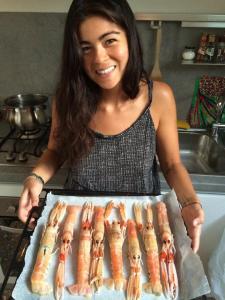 Eu e os scampi antes de colocá-los no forno (Foto: Simone Tortini)