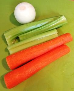 cenoura, salsão e cebola