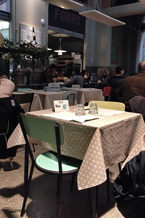 No espaço central, o restaurante