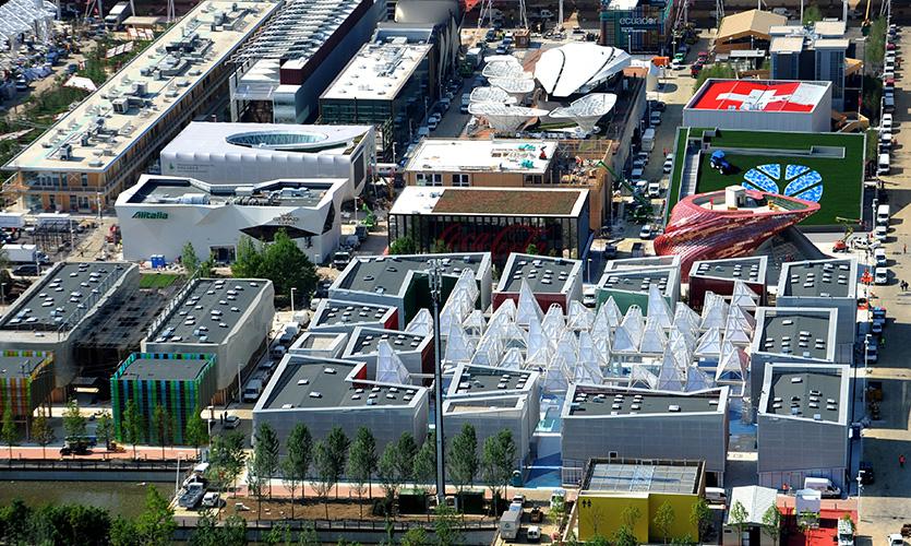 Um tiquinho da EXPO do alto (Fonte: http://www.expo2015.org/)
