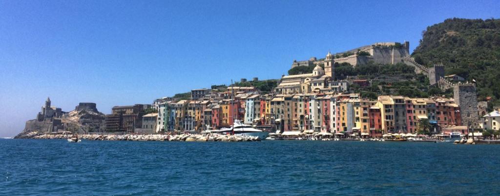 Essa é Porto Venere... Foto estupenda de Simone Tortini